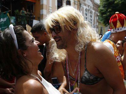 Foliões curtem a festa de pré-carnaval no Rio de Janeiro.