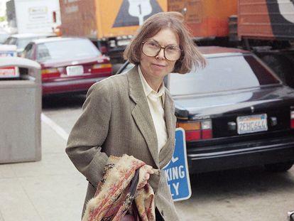 A escritora e jornalista Janet Malcolm, em São Francisco em junho de 1993.