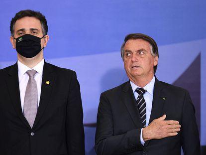 Rodrigo Pacheco e Bolsonaro em cerimônia no Palácio do Planalto nesta terça-feira, dia 14 de setembro.