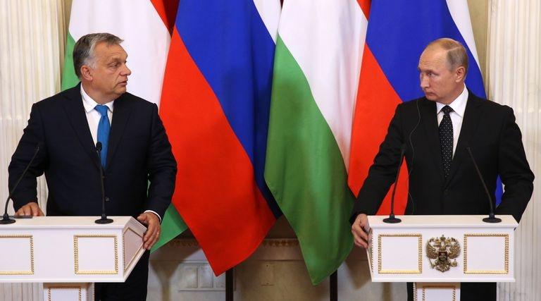O primeiro-ministro húngaro, Viktor Orbán, e o presidente da Rússia, Vladimir Putin, no Kremlin, em 2018.