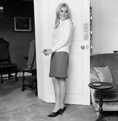 Sharon Tate, em seu apartamento de Londres em outubro de 1965.