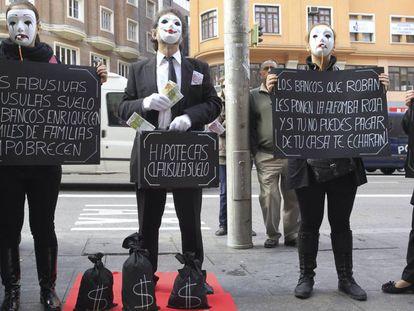 Protesto contra as cláusulas piso.