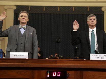 George Kent e William Taylor no início da audiência.