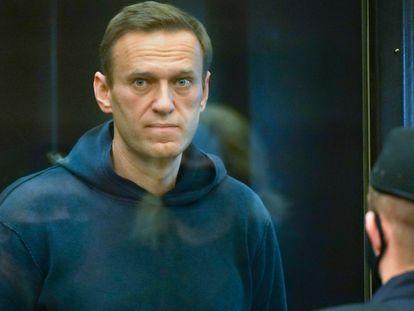 Alexei Navalni durante a audiência no Tribunal Municipal de Moscou nesta terça-feira.