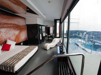 Um dos quartos do hotel Loob.