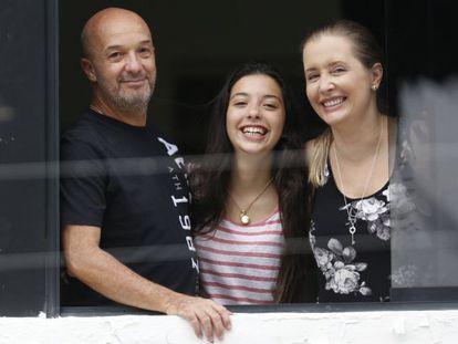 Simonovis, junto a sua mulher e sua filha, depois de sair de prisão