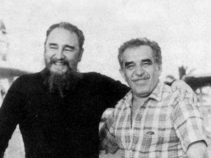 """Fidel Castro e Gabriel García Márquez por volta de 1985, capa do livro """"Gabo e Fidel. A paisagem de uma amizade"""", de Angel Esteban e Stéphanie Panichelli."""