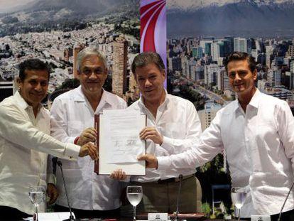 Os presidentes de Peru, Chile, Colômbia e México, nesta segunda-feira.