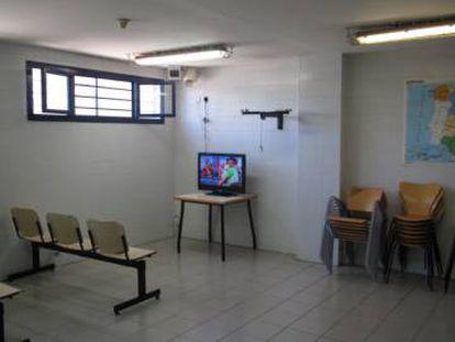 Sala de entretenimento do CIE de Tenerife