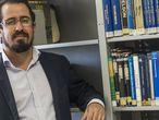 O sociólogo Roberto Dutra estuda a população evangélico