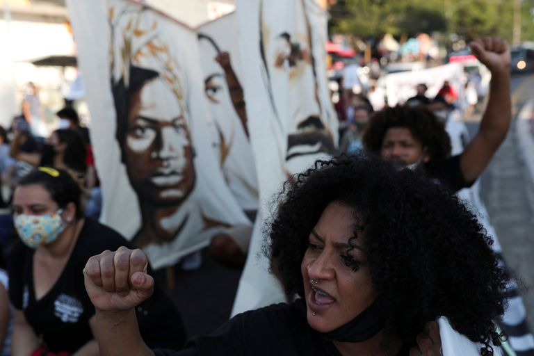People attend a protest against police violence and racism, amid the coronavirus disease (COVID-19) outbreak, in Sao Paulo, Brazil, July 4, 2020. REUTERS/Amanda Perobelli