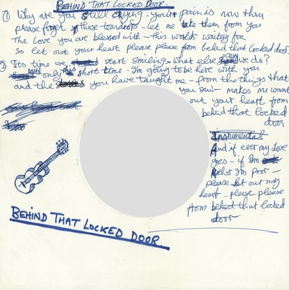 A letra escrita a mão pelo próprio Harrison de 'Behind that locked door', canção do disco 'All things must pass'.