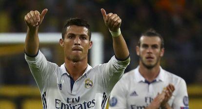 Cristiano Ronaldo celebra um gol em Dortmund.
