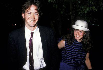 Debra Winger com Timothy Hutton, com quem tem um filho e foi casada entre 1986 e 1990.