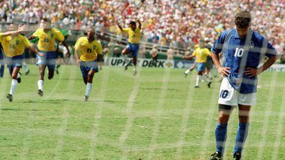 Na Copa de 94, Baggio lamenta o pênalti perdido.