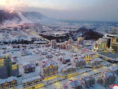 Imagem divulgada pela KCNA da nova cidade norte-coreana.