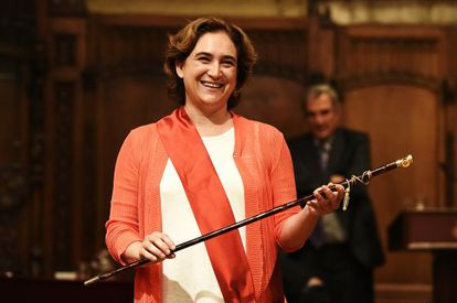 A nova prefeita de Barcelona, Ada Colau.
