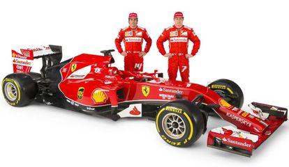 Alonso e Raikkonen posam com o novo modelo.