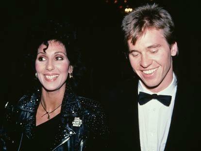Cher e Val Kilmer, durante a festa dos prêmios Tony, em 1982.