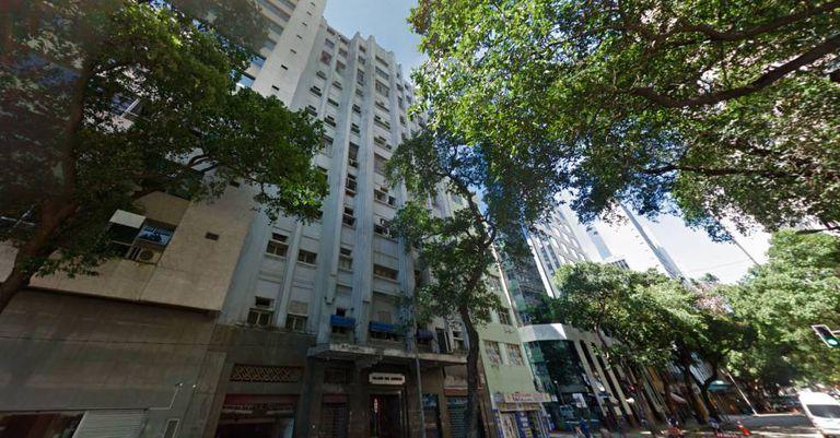 """Edifício """"Palácio dos Esportes"""", propriedade da União no Centro do Rio de Janeiro, vazio ou ocupado irregularmente há oito anos."""