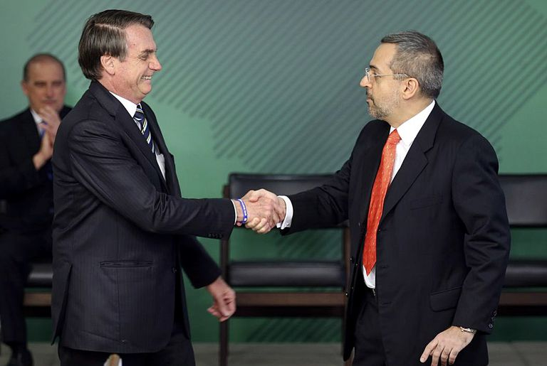Bolsonaro e o ministro da Educação, Abraham Weintraub.