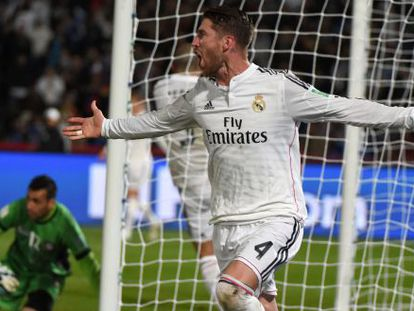 Sergio Ramos celebra seu gol.