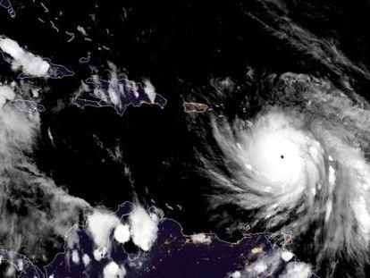 """""""Perdemos tudo o que se podia perder"""", diz premiê de Dominica após furacão Maria"""