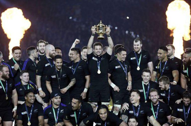 Nova Zelândia celebra o título, em Londres.