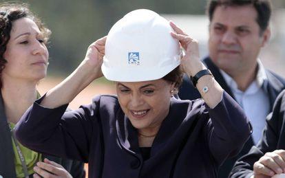 Dilma Rousseff visita um canteiro de obra em Campinas, na última quinta.