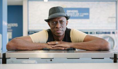 Keb'Mo', veterano do blues que tocará em SP.