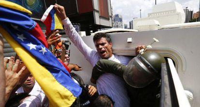 López no momento de sua detenção em fevereiro.