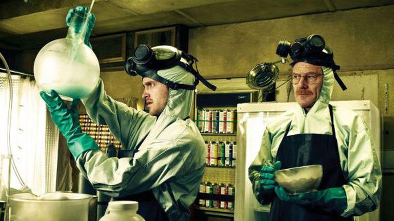 Aaron Paul e Bryan Cranston, ganhadores do Emmy, em uma cena de 'Breaking Bad'.