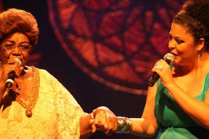 Dona Ivone Lara e Fabiana Cozza têm uma história juntas. Na foto, as duas cantoras em show de 2007