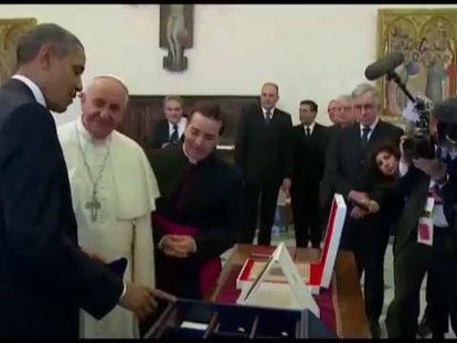 Obama durante visita ao papa Francisco, no Vaticano.