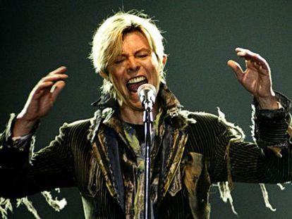 David Bowie, durante seu concerto em Praga.