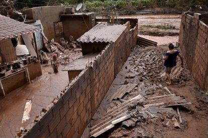 Chuvas inundaram bairros de Sabará, na região metropolitana de Belo Horizonte.