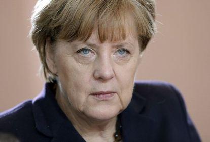 Angela Merkel durante a reunião semanal de Governo em Berlim, nesta terça.