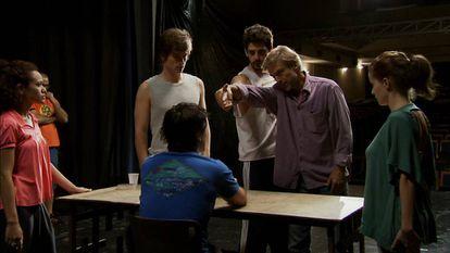Carlos Alberto Riccelli é Telmo, um diretor de teatro.
