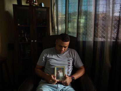 Diego Amorim Barreto conta que o pai, Gileno Soares Barreto, morreu de covid-19, mas declaração de óbito não menciona a doença.