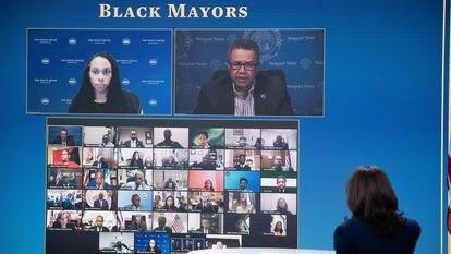 A vice-presidenta Kamala Harris em uma sessão virtual com prefeitos afro-americanos em 10 de fevereiro.