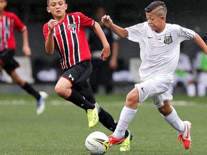 Clubes querem assinar contrato com atletas a partir de 12 anos.