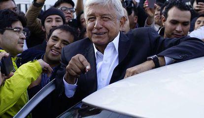 Andrés Manuel Lopez Obrador, depois de votar neste domingo.