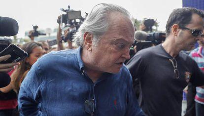 O ex-ministro da Agricultura e aliado próximo de Temer Wagner Rossi é preso.
