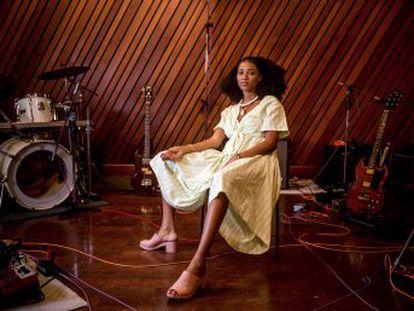 Cantora baiana prepara-se para sua primeira turnê internacional e já trabalha em novo disco para 2020.