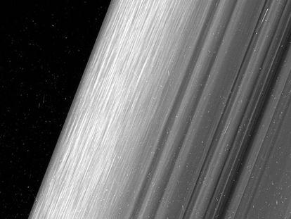 Sonda da NASA capta as imagens mais nítidas já feitas dos anéis de Saturno