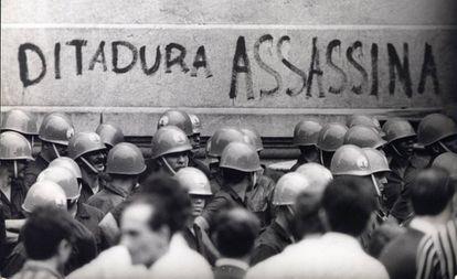 Manifestação no Rio de Janeiro em 1968 contra a ditadura militar.