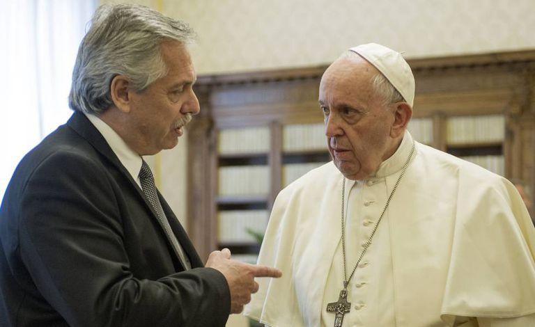 O papa Francisco e o presidente da Argentina, Alberto Fernández, nesta sexta-feira, na Cidade do Vaticano.