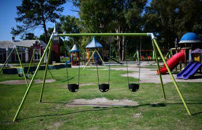 Playground vazio em La Plata, na Argentina, depois do começo de um confinamento obrigatório para frear o coronavírus.