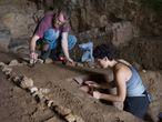 Imagem feita durante recentes tarefas de pesquisa sobre os neandertais realizadas nas cavernas Vanguard e Gorham (Gibraltar).