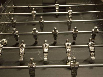 O pebolim criado por Stéphane Cipre, na Maison Degand, na sexta-feira.